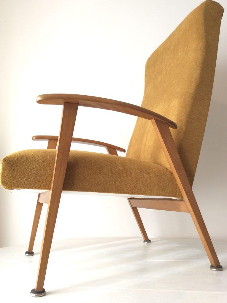 le fauteuil scandinave moutarde de sarah - Fauteuil Scandinave Moutarde
