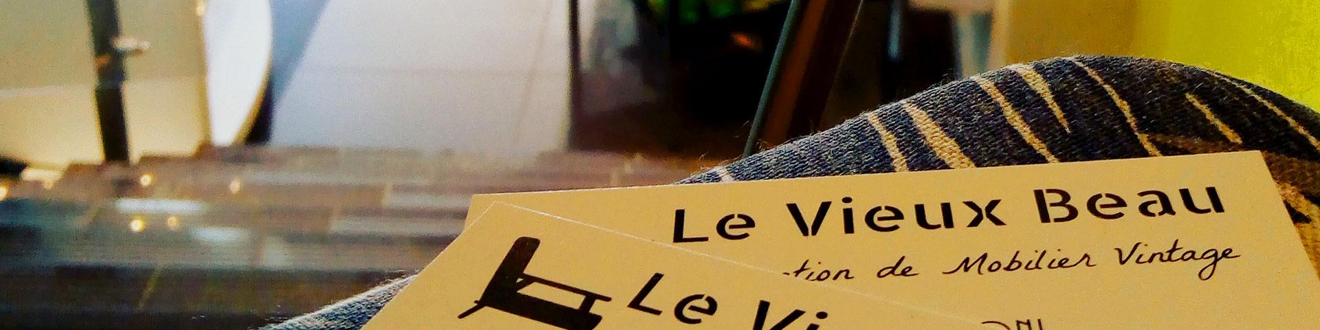 Contactez l'atelier Le Vieux Beau pour plus d'informations sur ses meubles vintage ou si vous souhaitez faire rénover un fauteuil tapissier