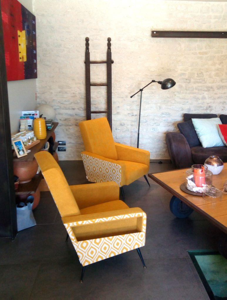 Fauteuil vintage rénovée par Le Vieux Beau Tapissier d'ameublement La Rochelle